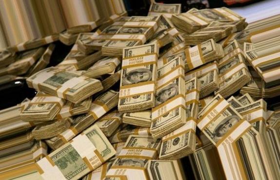 """Сколько денег завезли на подготовку """"оранжевой революции"""" в России"""