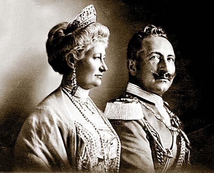 вильгельм второй с супругой.jpg
