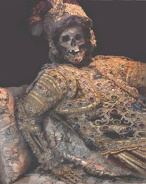 мощи из катокомб Римской империи ,украшенные драгоценностями