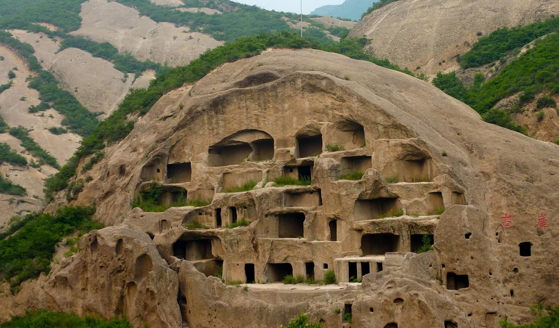 10 удивительных городов, которые построены в пещерах