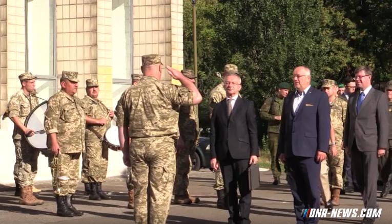 В Десне подготовили первых инструкторов НАТО для украинской армии