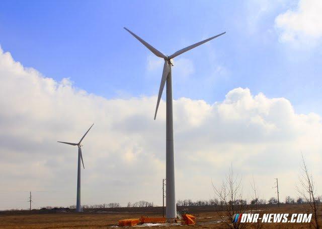 Обстрелом ВСУ повреждены ветряные электрогенераторы на юге ДНР