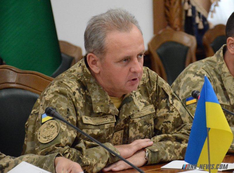 Муженко: Солдаты срочной службы составляют 10% ВСУ