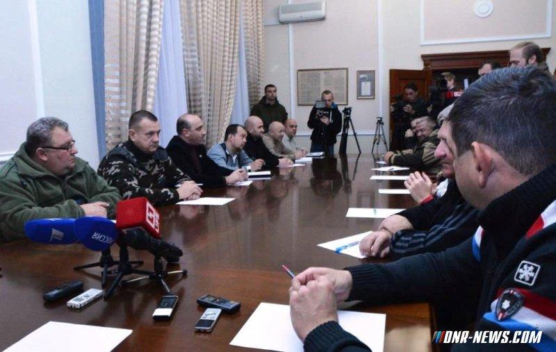 "Захарченко: Заявление Порошенко прозвучало как отказ от ""Минска"" и сигнал к новому витку конфликта"