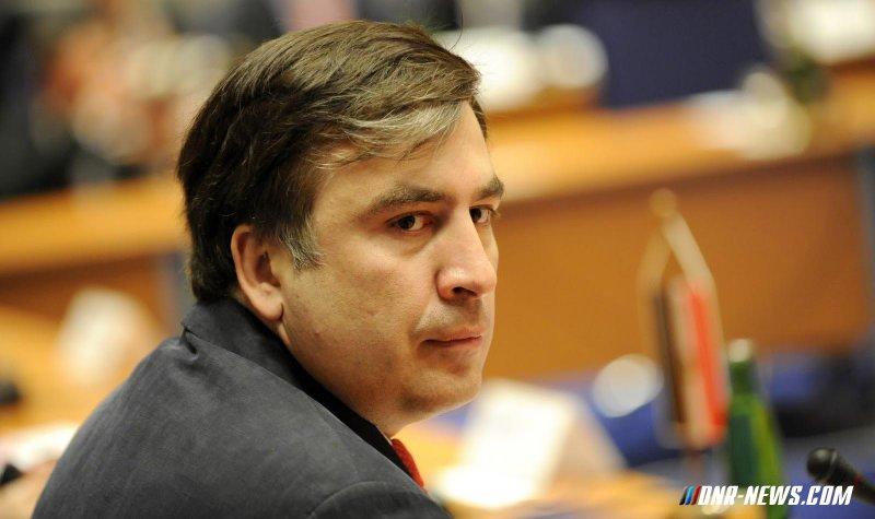 Саакашвили: Порошенко предпочёл барыг приличным людям