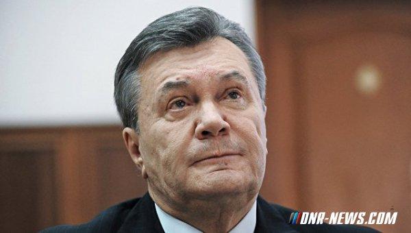 Янукович заявил, что его самолет пытались посадить с помощью истребителей