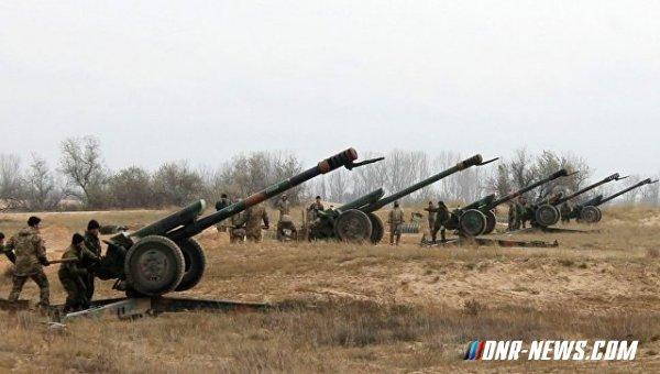 Минобороны ДНР: В Светлодарске и Мироновском началась эвакуация населения для подготовки наступления ВСУ