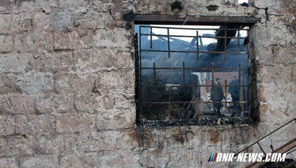 В Петровском районе Донецка в результате обстрела поврежден жилой дом