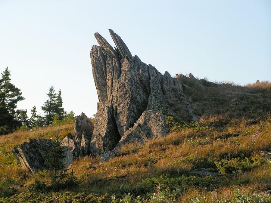 30-02 воткнутые камни