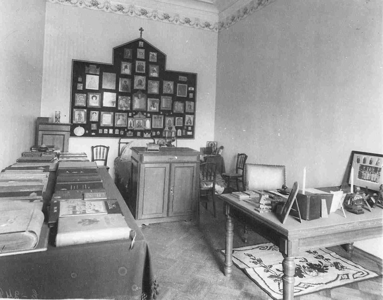 0_aaec6_e5090280_XXXLУголок спальни в квартире генерала В.Ф.Джунковского.