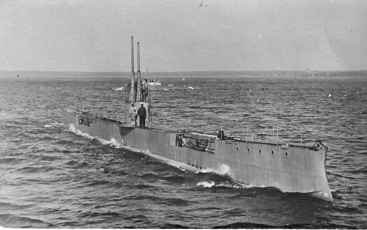 13. Подводная лодка «Акула»