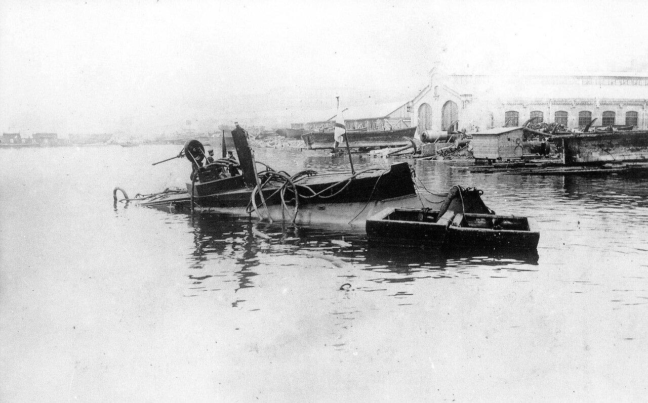 11. Подводная лодка «Дельфин» после аварии 05.05.1905