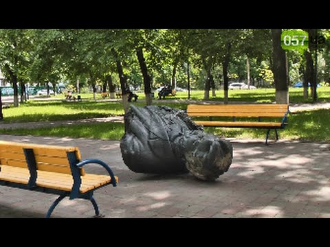 Жители Харькова высказали свое мнение по поводу сноса сразу 3 памятников за одну ночь