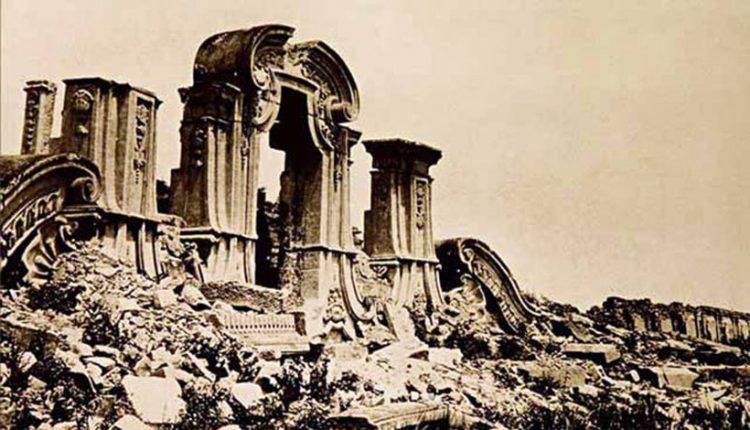 Руины дворца Юаньминьгуань в Китае. Разрушен в 1860г. англо-французскими войсками, во время Второй опиумной войны.