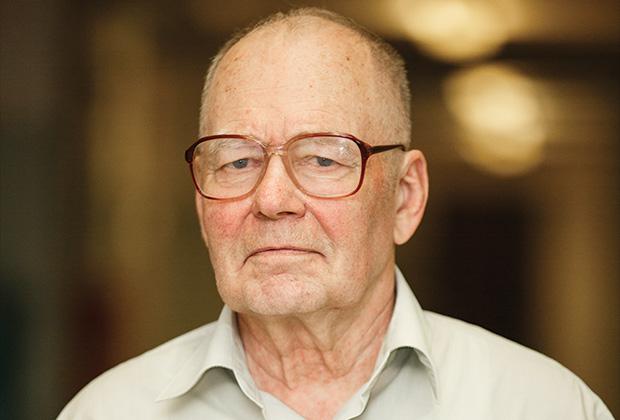 Виктор Сахаров