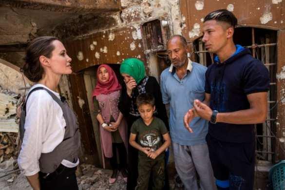 Лицемерие: Анджелина Джоли ужаснулась руинам Мосула, поддержав все вторжения США на Ближний Восток (ФОТО, ВИДЕО) | Русская весна