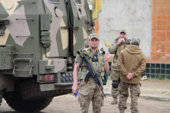 ВОдессу прибыли головорезы из«Азова» сбронетехникой (ФОТО)  | Русская весна