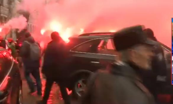 Новая акция неповиновения боевиков «Азова» в Киеве (ФОТО, ВИДЕО) | Русская весна