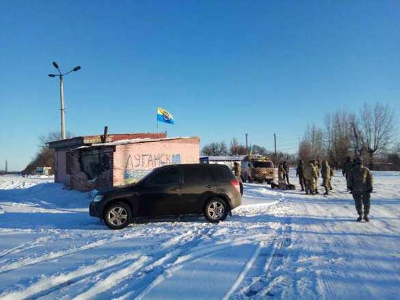 Блокада Донбасса: радикалы начали перекрывать автодороги (ФОТО) | Русская весна