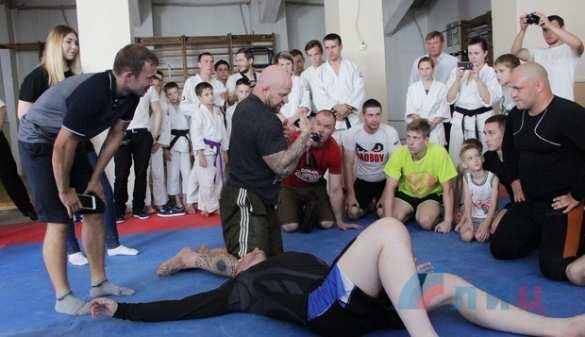 Боец ММАДжефф Монсон провел мастер-класс вЛНР (ФОТО) | Русская весна