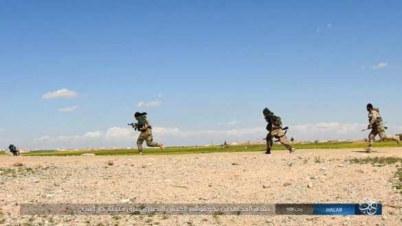 «Тигры» и ВКС РФ штурмуют авиабазу Джирах, захваченную ИГИЛ (ФОТО) | Русская весна