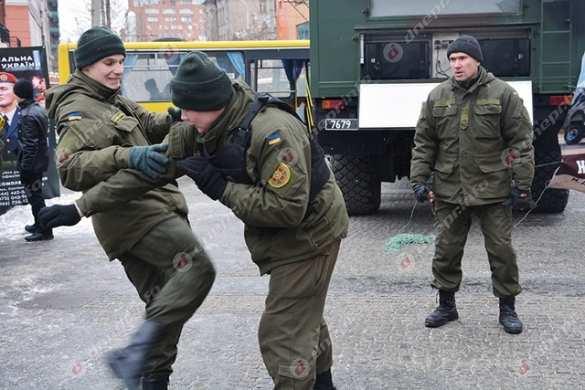 В Днепропетровске вместо валентинок военные раздавали повестки (ФОТО, ВИДЕО) | Русская весна