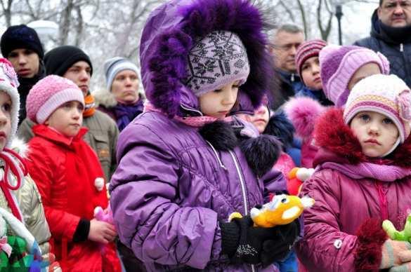 На Аллее ангелов в Донецке почтили память детей, ставших жертвами агрессии Киева (ФОТО) | Русская весна