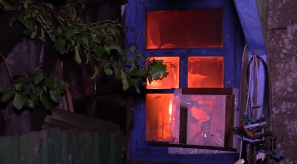 Украинская армия применила зажигательные снаряды вДонецке, в жилом секторе вспыхнули пожары (ВИДЕО+ФОТО) | Русская весна
