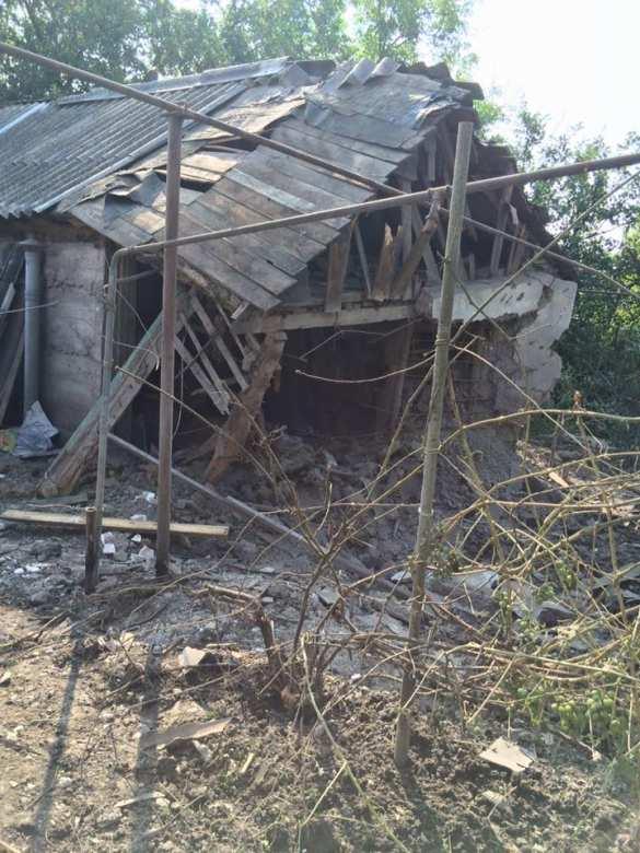 Последствия ночного обстрела Донецка: украинские снаряды рушат дома дончан (ФОТО)   Русская весна