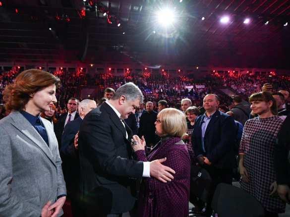 Украине не нужен главком, который будет «хихикать с Путиным», — Порошенко (ФОТО, ВИДЕО) | Русская весна