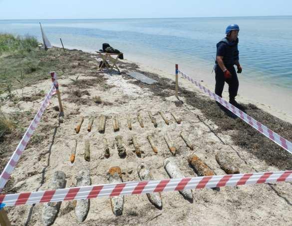 Украинские водолазы нашли у Крыма более тысячи снарядов (ФОТО) | Русская весна