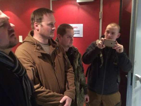 Сорван показ фильма об украинских карателях, сторонники Новороссии задержаны полицией (ФОТО, ВИДЕО)   Русская весна
