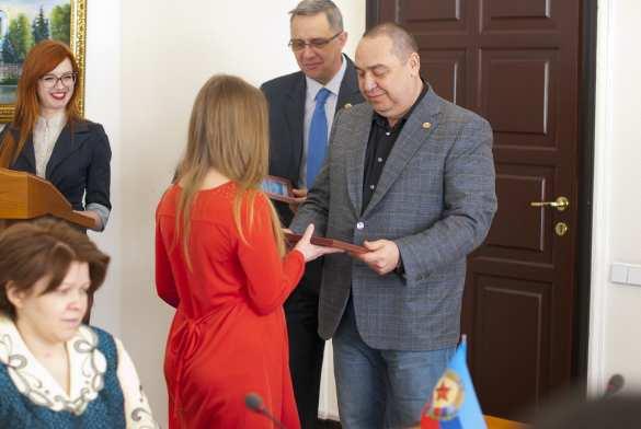 Глава ЛНР наградил лучших журналистов Республики (ФОТО) | Русская весна