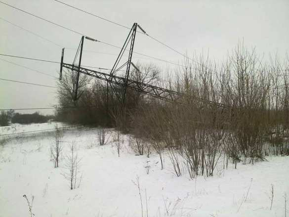 Украинские террористы подорвали ЛЭП под Светлодарском (ФОТО) | Русская весна