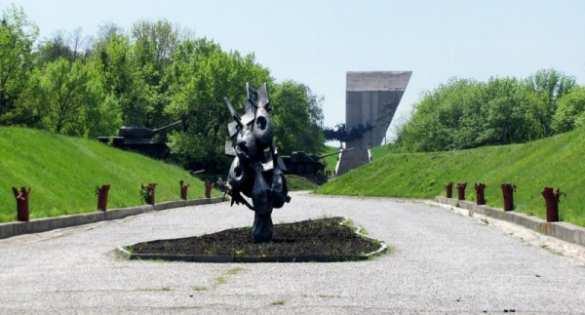 Вопреки запретам: в Изюме прошел многотысячный «Бессмертный полк» (ФОТО, ВИДЕО) | Русская весна