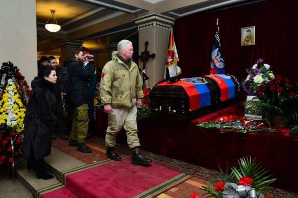 Гиви останется в памяти как непобедимый воин и защитник Донбасса, — Захарченко (ФОТО, ВИДЕО) | Русская весна