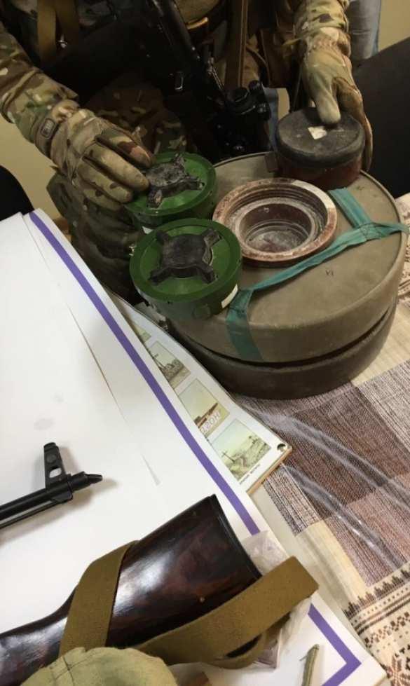 СБУ задержала группу «патриотов» с автоматами и противотанковыми минами, готовящих захват областных администраций (ФОТО, ВИДЕО) | Русская весна