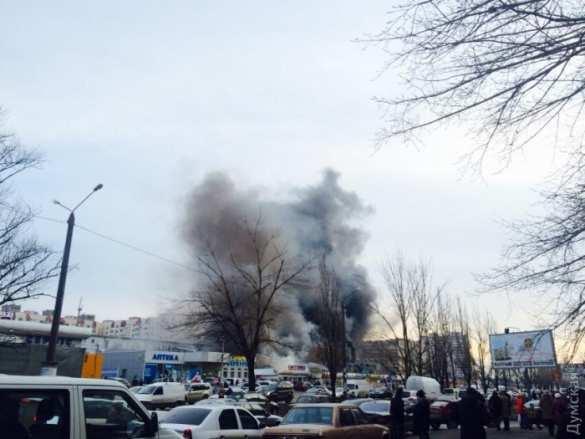 На рынке в Одессе произошёл мощный пожар, есть пострадавшие (ФОТО, ВИДЕО) | Русская весна