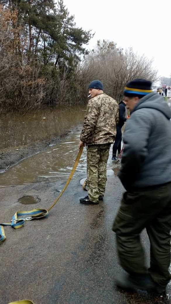 Экологическая катастрофа: под Киевом прорвало дамбу, вода затопила сёла (ФОТО) | Русская весна