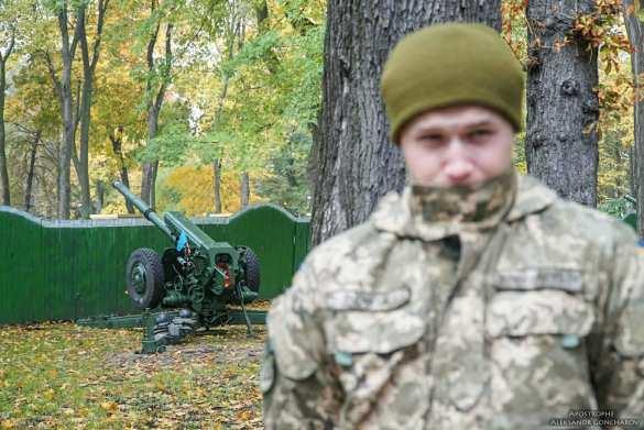 МОЛНИЯ:  прямо напротив Верховной Рады стреляет артиллерия (ФОТО, ВИДЕО)   Русская весна