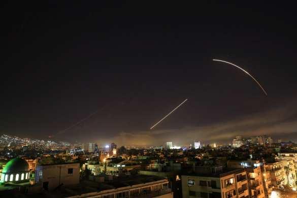 Ответ агрессору: Кадры перехвата ракет Коалиции США, нацеленных на Дамаск (ФОТО, ВИДЕО) | Русская весна