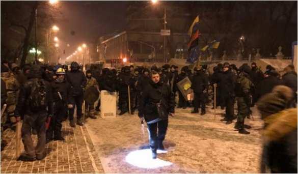 Напалаточный лагерь «Михомайдана» напали неизвестные струбами (ФОТО, ВИДЕО) | Русская весна