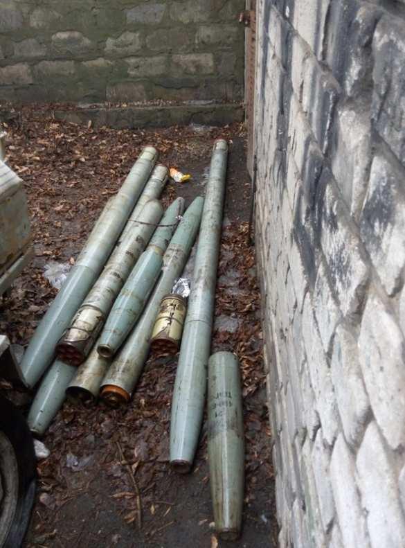 В ЛНР изъяли снаряды к гаубице, «Граду» и 3,5 тонны пороха (ФОТО)   Русская весна