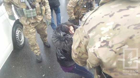 В Одессе сотрудники СБУ избили вьетнамца и забрали у него 800 тыс. гривен (ФОТО, ВИДЕО) | Русская весна