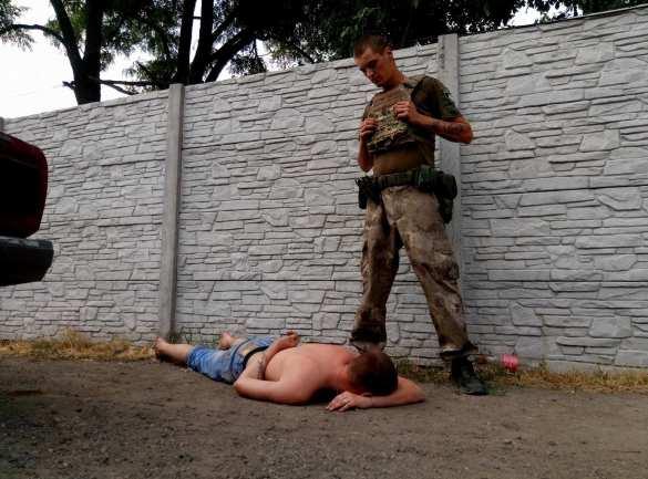 «Валите к себе домой и там напрягайте людей», — мариупольцы рассказали оккупантам, что о них думают (ФОТО)   Русская весна