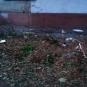 Особенности предвыборной борьбы в Мариуполе — неизвестные из противотанкового гранатомета обстреляли жилую многоэтажку