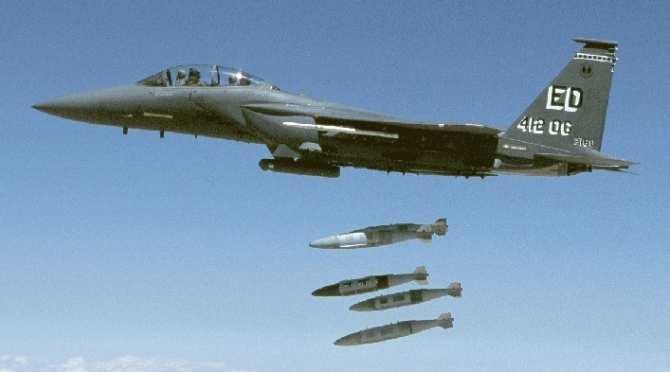 Авиация США целенаправленно бомбит гражданские объекты в Сирии | Русская весна