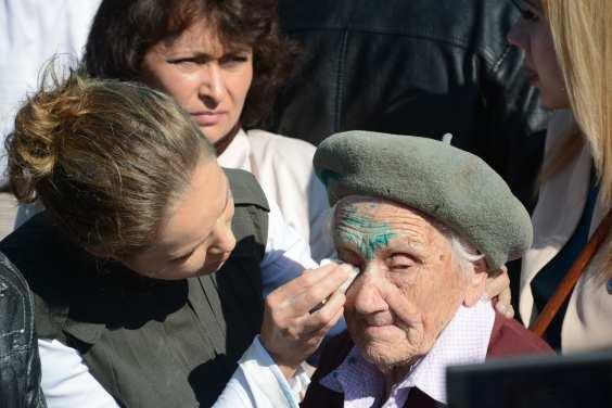 ВАЖНО: ветеран, пострадавшая отрукнеонацистов вСлавянске, жива | Русская весна