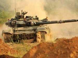 ВСУ открыли огонь по Старомихайловке, используются АГС и танк | Русская весна