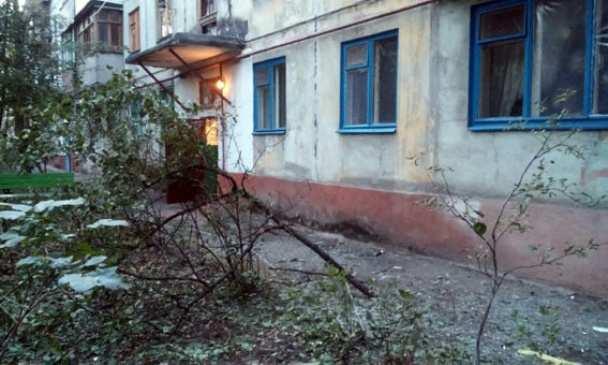Особенности предвыборной борьбы в Мариуполе — неизвестные из противотанкового гранатомета обстреляли жилую многоэтажку | Русская весна